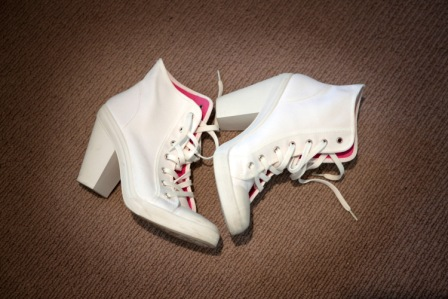 converse-heels